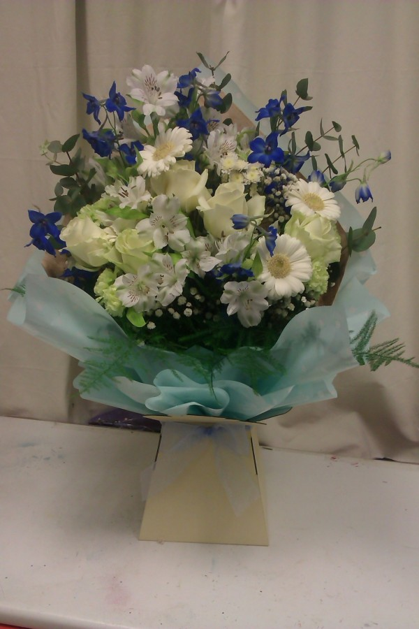 Ocean Blue in the Aqua pack Bouquets category