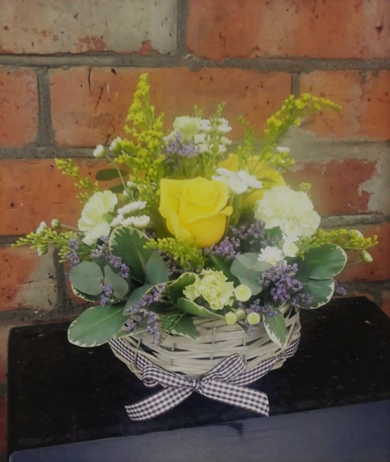 Seasonal Basket - £25.00 in the Mothers Day Flowers category