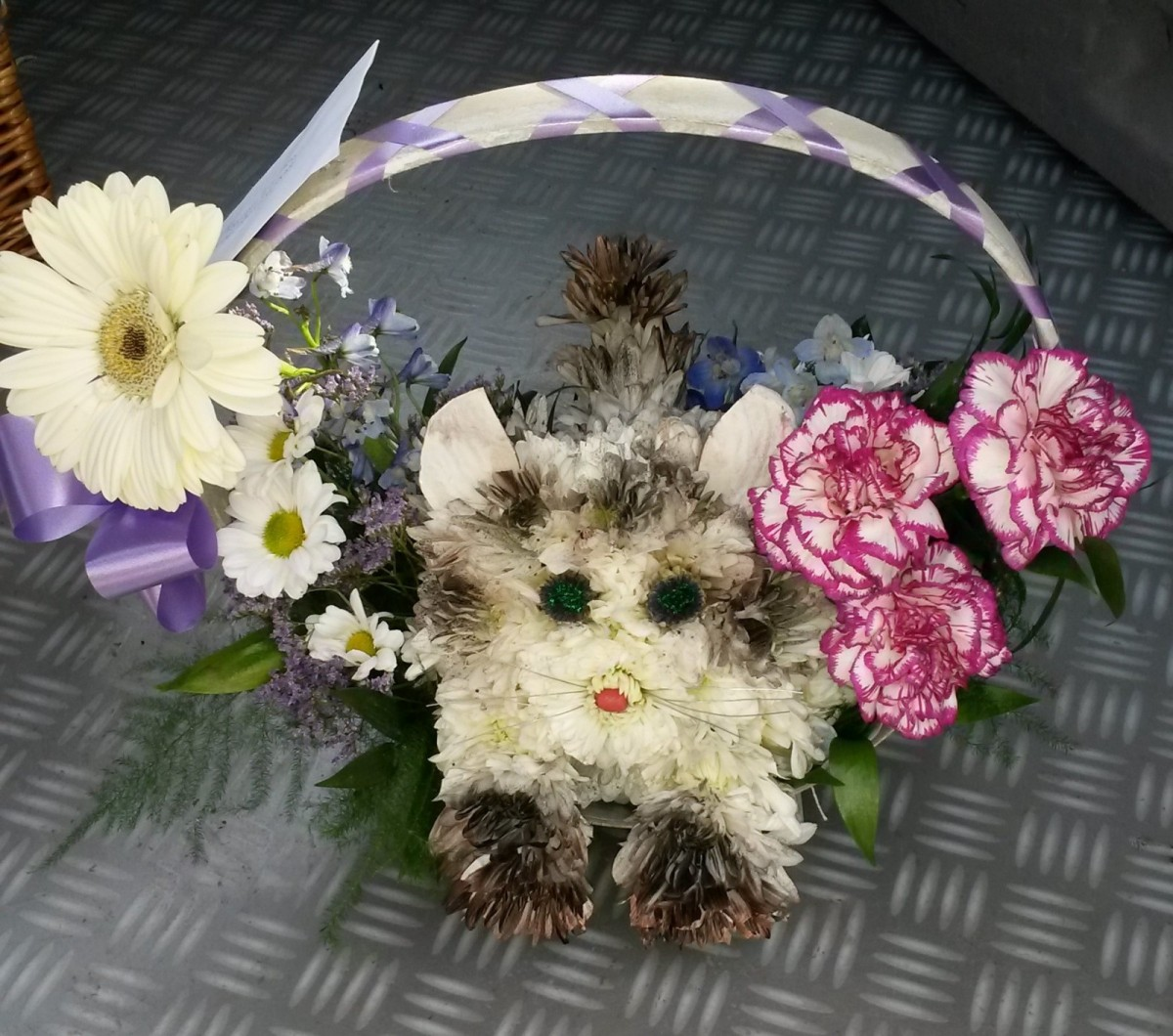 Cat basket Crescent - £27.50 in the Mothers Day Flowers category