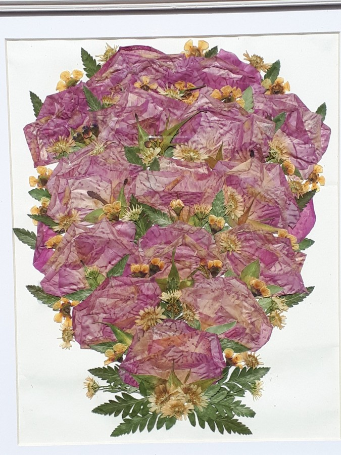in the Pressed flowers & Bouquets category
