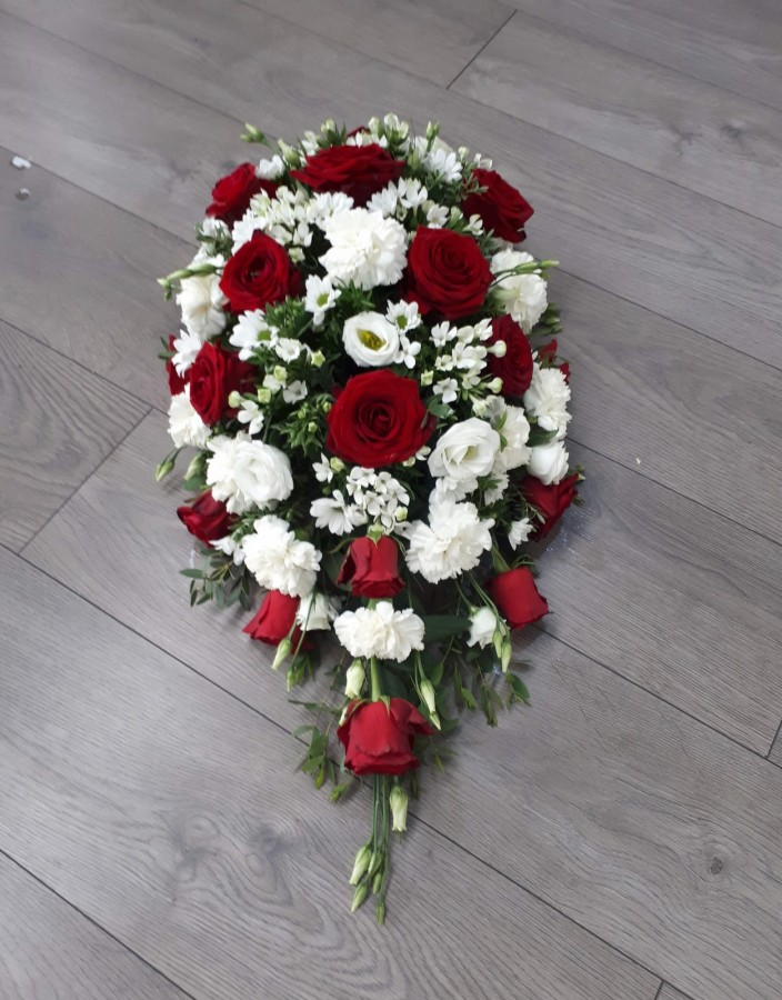 Red & White Spray in the Coffin Sprays category